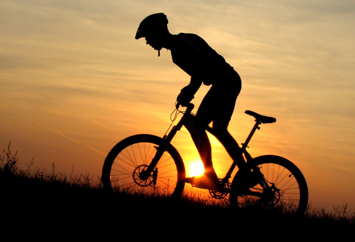 mountainbike_sonnenuntergan_700